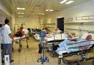 <p>Os hospitais estão cheios com vítimas do calor</p>