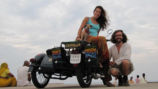 Cinco meses a dar a volta à Índia em moto com sidecar