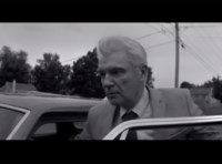 Youtube: David Byrne and St. Vincent - Who