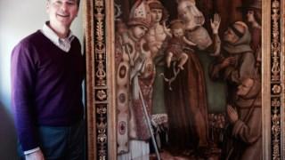Christopher Marinello era em Maio de 2015 o representanto dos então proprietários de <i>Virgem com o Menino e Santos</i>, de Carlo Crivelli, uma obra rara do século XV, avaliada em 4,4 milhões de euros