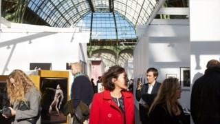 A Paris Photo terá lugar no Grand Palais, em Paris, com Karl Lagerfeld, director artístico da Chanel, como convidado de honra