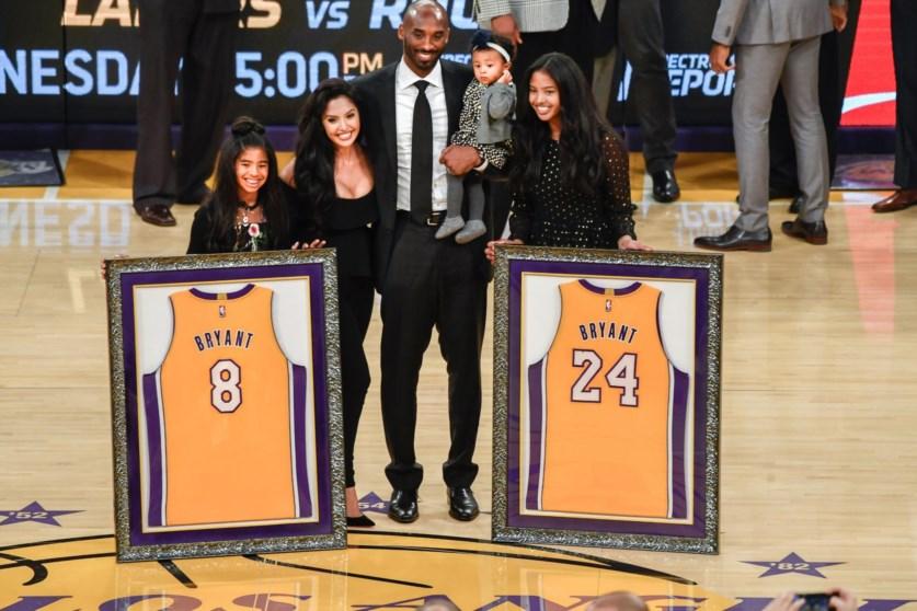f6772b1a Camisolas 8 e 24 de Kobe Bryant nos Lakers no