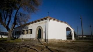 Exemplo de uma antiga escola primária, esta em Reguengos de Monzaraz Joana Bougard/ Arquivo