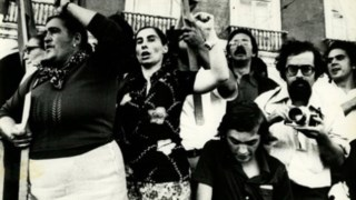 Isabel do Carmo numa manifestação da FUR em 1975 memoriando.net