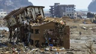 Relatório refere que em várias zonas afectadas pouco foi feito um ano e meio depois do tsunami
