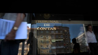 O autarca de Gondomar acusa o TdC de se intrometer no poder local