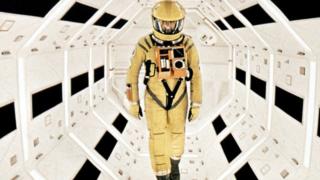Filme é baseado num conto de ficção científica de Arthur C. ClarkeDR