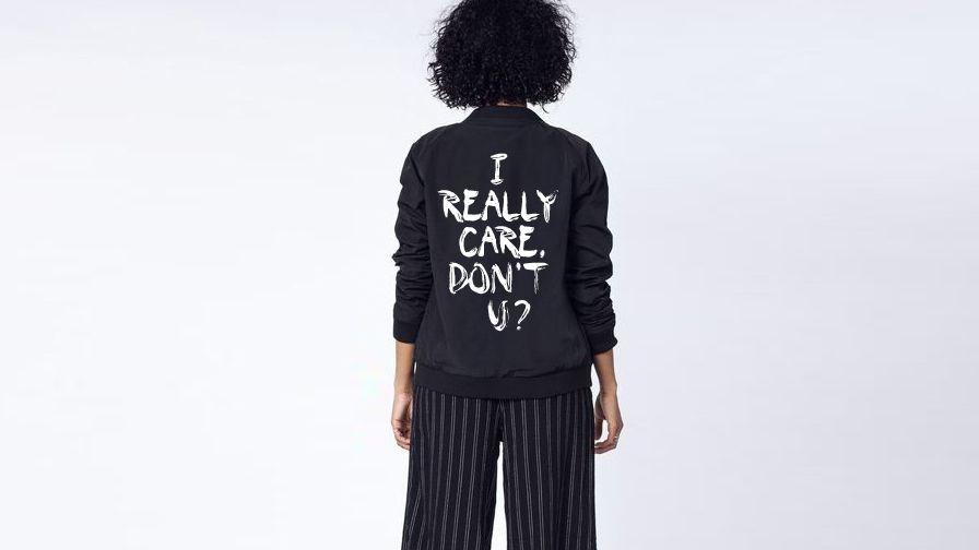 Por que vestiu Melania um casaco com a frase