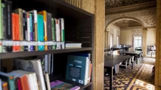 Biblioteca municipal do Palácio Galveias, em Lisboa