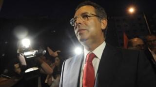 Seguro abandonou a vida política em Setembro de 2014, após a derrota nas primárias