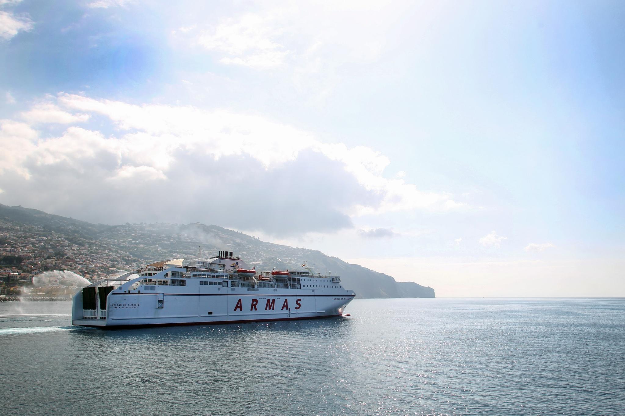 Ferry entre Funchal e Portimão regressa este Verão