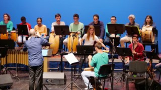 A Ensemble Juvenil de Setúbal conta com o apoio do musicoterapeuta Pedro Condinho e é dirigida por Miguel Ângelo Conceição