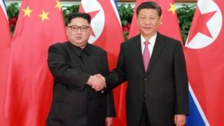 É a primeira vez em 14 anos que um chefe de Estado chinês visita a Coreia do Norte