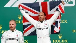 Hamilton está cada vez mais só na liderança do mundial