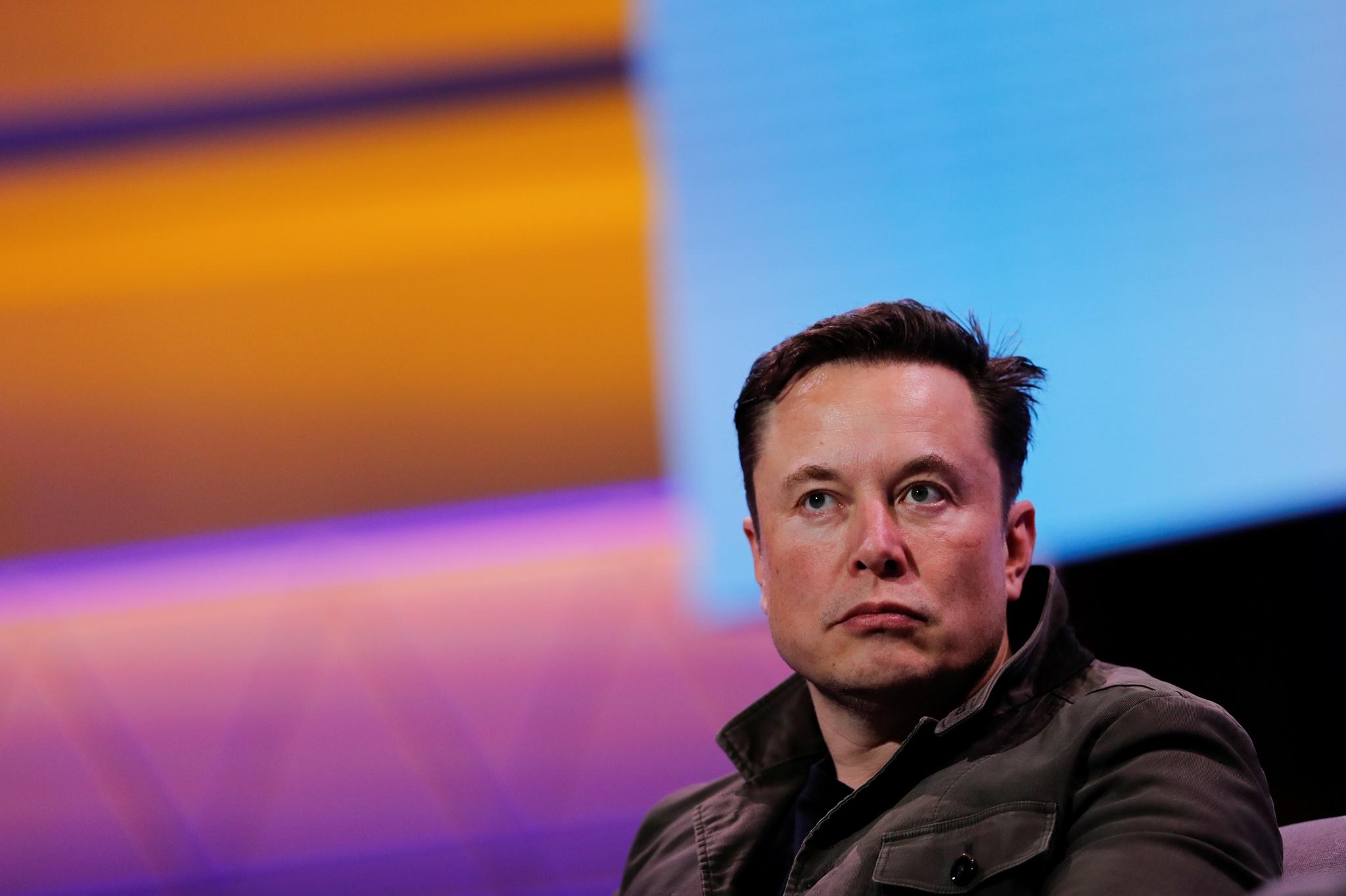 Resultado de imagem para Elon Musk está um passo mais perto de ligar os nossos cérebros à Internet
