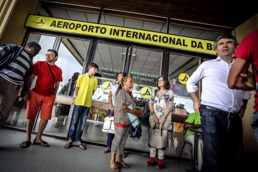 Resultado de imagem para Kit Emigrante: Governo lança campanha para informar emigrantes sobre serviços públicos disponíveis