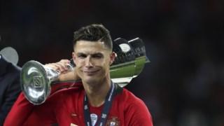 Ronaldo com o troféu da Liga das Nações