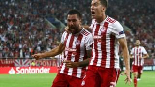 Jogadores do Olympiacos festejam na Grécia