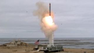 O lançamento de um novo míssil de cruzeiro pelos Estados Unidos