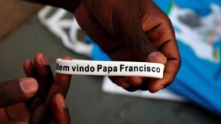 Pulseira comemorativa da visita do Papa a Moçambique