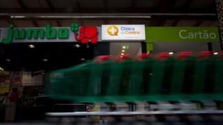 O elefante desaparece e dá lugar ao pássaro da Auchan