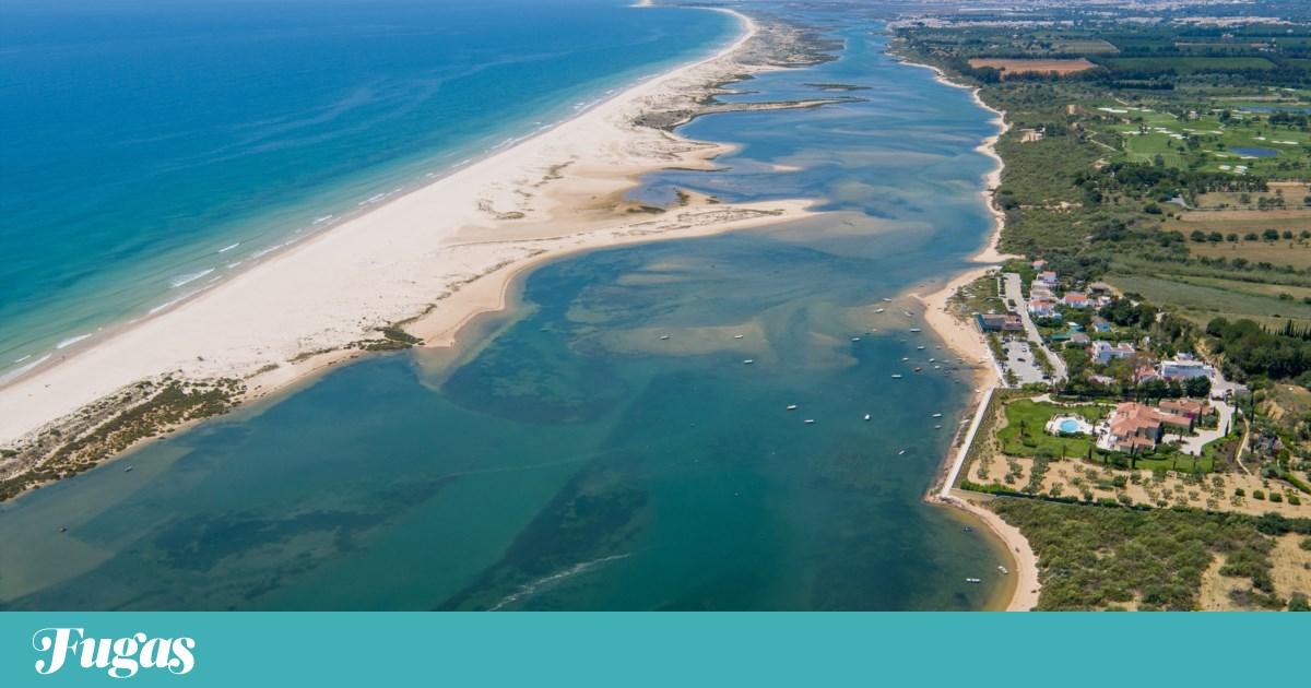 """A praia de Cacela Velha ainda é uma """"metáfora de felicidade"""""""