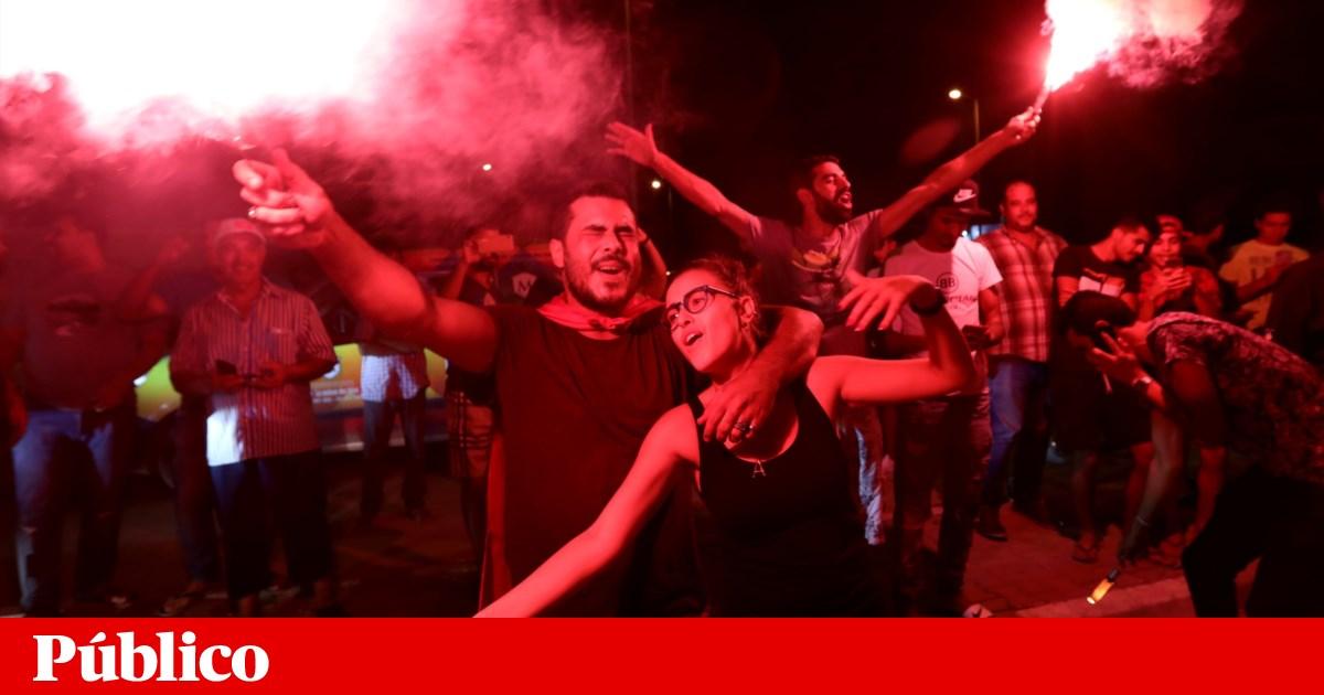 Tunisinos escolhem candidatos sem experiência política na primeira volta das presidenciais, segundo projecções