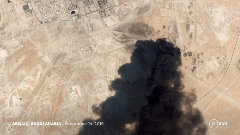 Imagem do ataque com drones no campo de Abqaiq