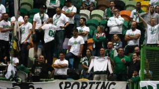 A reacção dos adeptos após a derrota do Sporting frente ao Famalicão