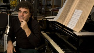 O compositor Luca Francesconi é artista associado da temporada da Metropolitana de 2019-2010