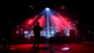 Os Pixies em Lisboa na digressão de 2013 - Kim Shattuck à direita na foto