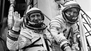 ,Cosmonautas perdidos