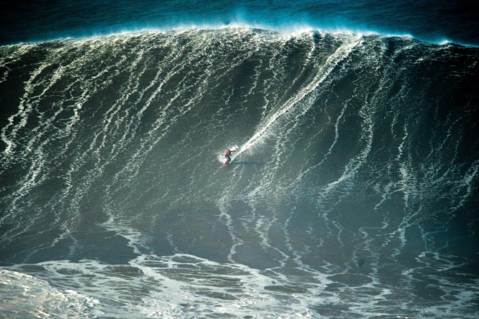 """Novo evento de ondas gigantes da Nazaré vai ser """"dez vezes melhor ..."""