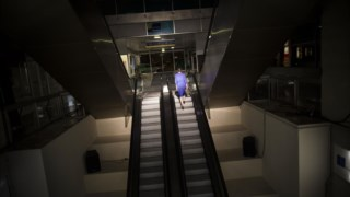 As famosas escadas rolantes do Shopping Brasília, no Porto