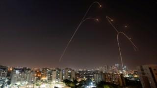 Imagens de um ataque interceptado pelo sistema antimíssil israelita, na quarta-feira