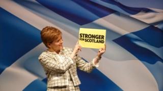 Nicola Sturgeon quer que os nacionalistas escoceses sejam actores-chave nas negociações em Westminster