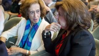 Manuela Ferreira Leite, curadora, com Leonor Beleza, presidente da Fundação Champallimaud