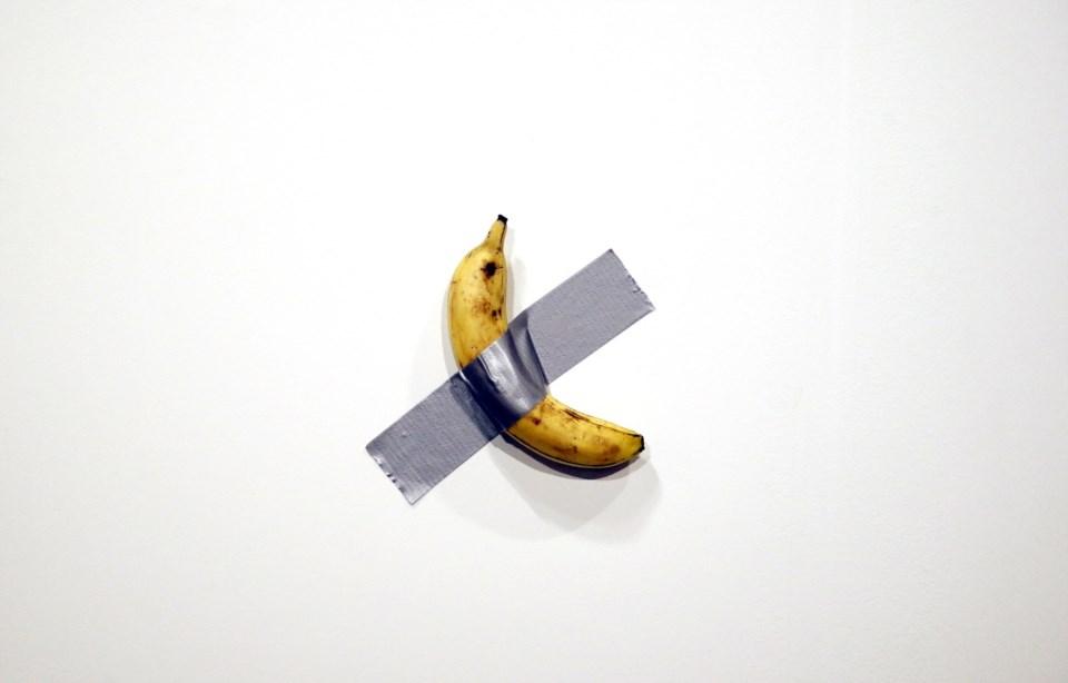 Resultado de imagem para banana maurizio