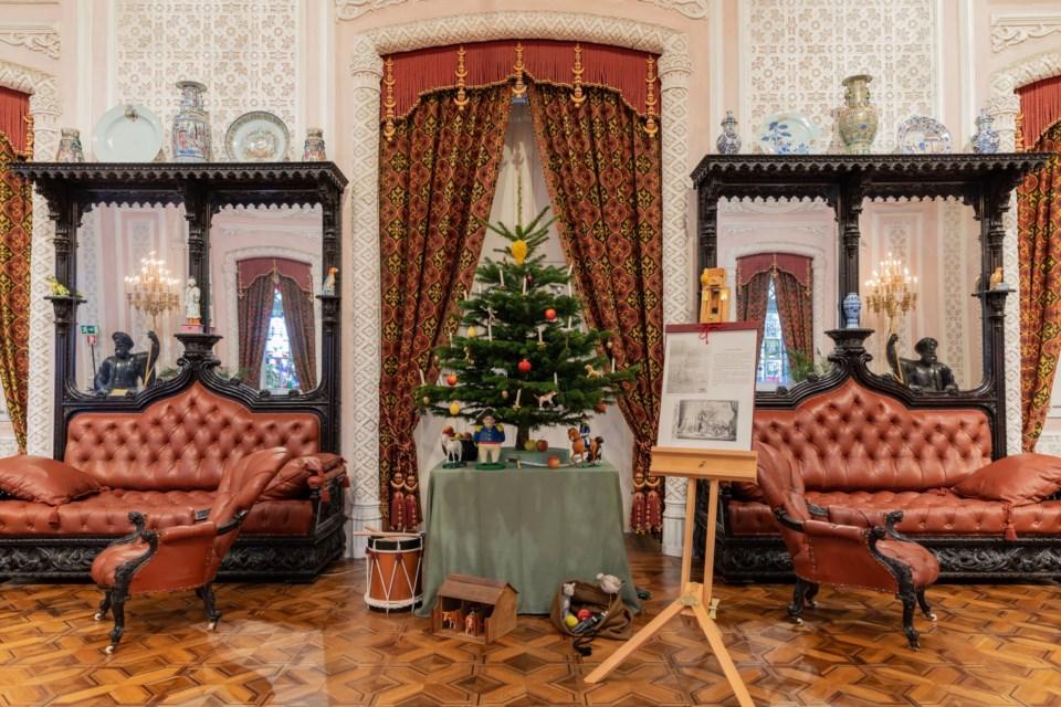 Palacio Da Pena Reconstitui A Primeira Arvore De Natal