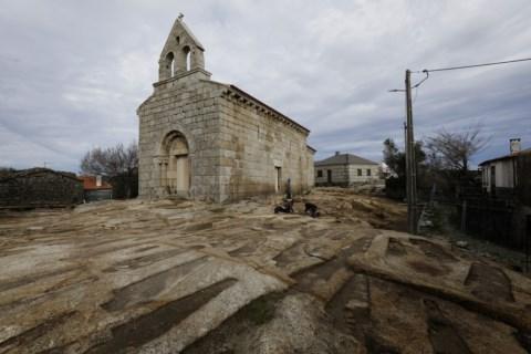 Resultado de imagem para Trancoso tem a maior necrópole de sepulturas antropomórficas da Península Ibérica