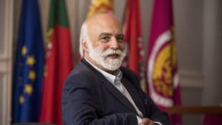 Sousa Lara foi deputado do PSD e r-subsecretário de Estado da Cultura? no Governo de Cavaco Silva