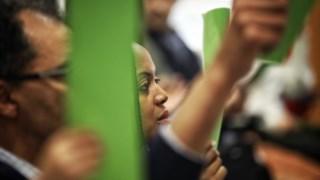Imagem de Joacine Katar Moreira durante uma votação que foi renhida