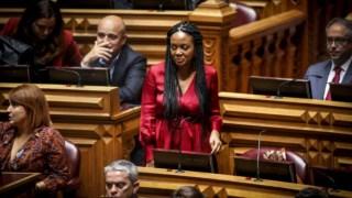 Joacine Katar Moreira foi escolhida como cabeça de lista em eleições primárias abertas a apoiantes do Livre