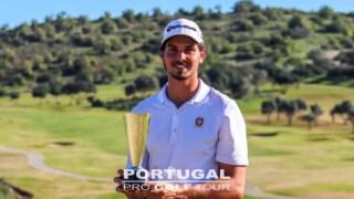 Vítor Lopes com o troféu com Morgado Classic © Berto Granja