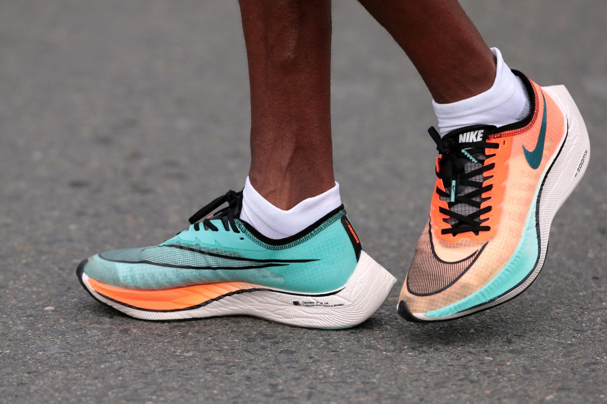 "Nike ""estica"" as sapatilhas até ao máximo permitido"
