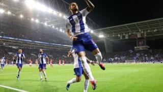 Alex Telles apontou o segundo golo do FC Porto no Dragão