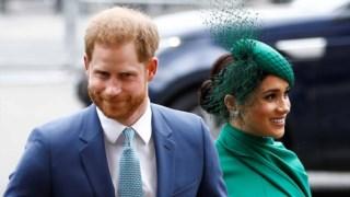 Harry e Meghan chegaram sorridentes à abadia