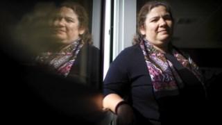 A ministra Alexandra Leitão garante que o Governo está a coordenar com as autarquias a resposta à pandemia