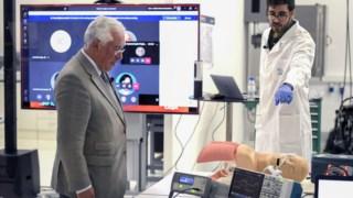 O primeiro-ministro, António Costa, conseguiu assegurar em tempo recorde o pagamento prévio dos 500 ventiladores