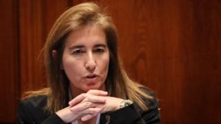 A ministra Ana Mendes do Godinho apelou às empresas para que mantenham os trabalhadores